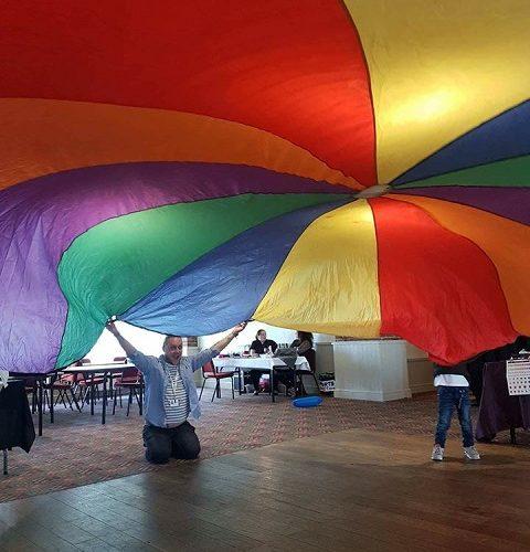 Parachute photo 480x640